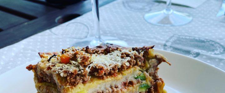 Lasagne di lenticchie con besciamella senza glutine e lattosio e zucchine